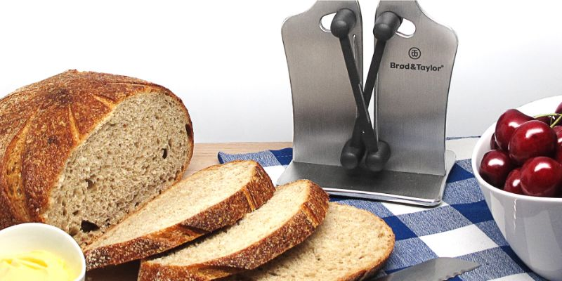 Pro Sharpener with Bread