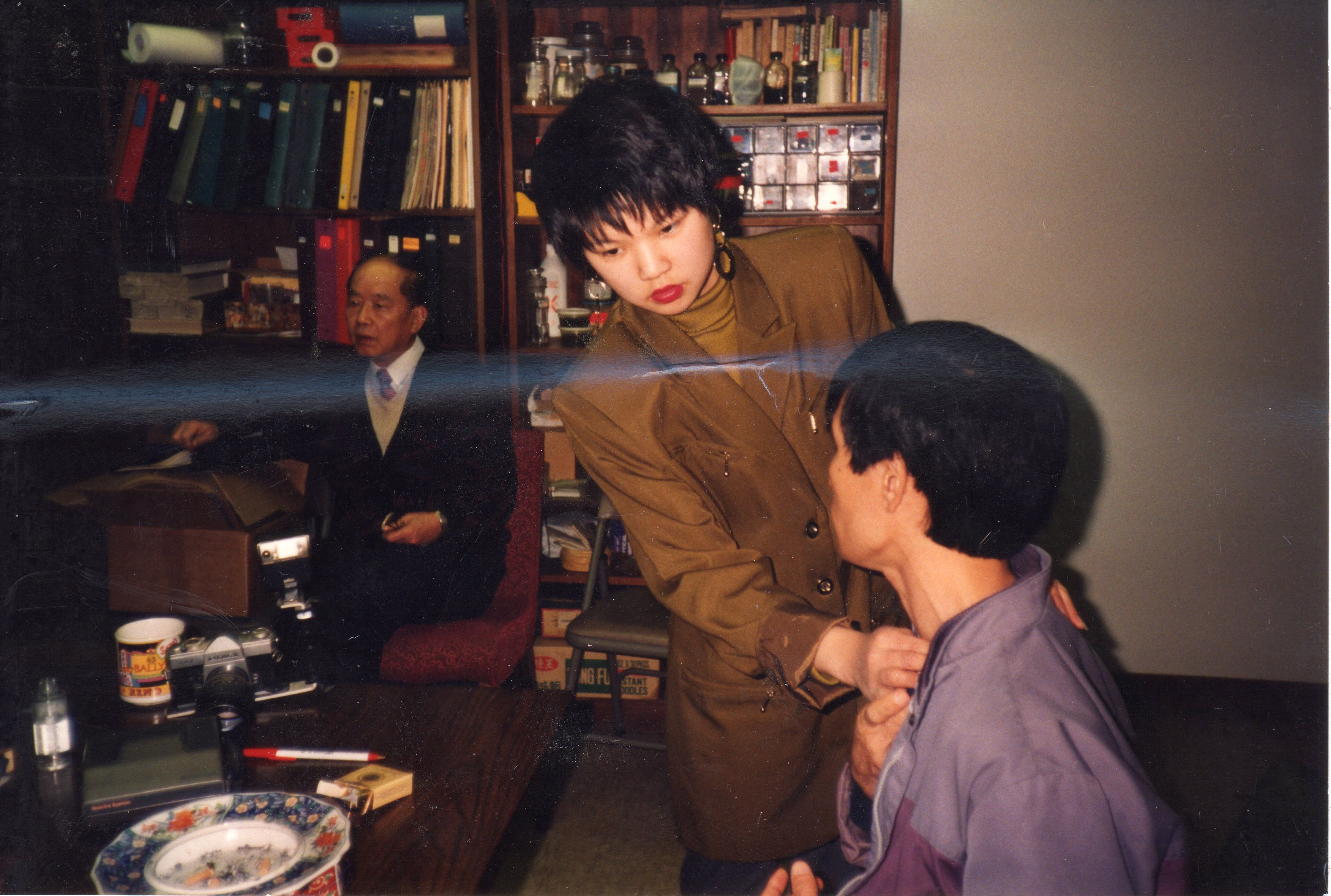Juliana Chin Isogai with a patient